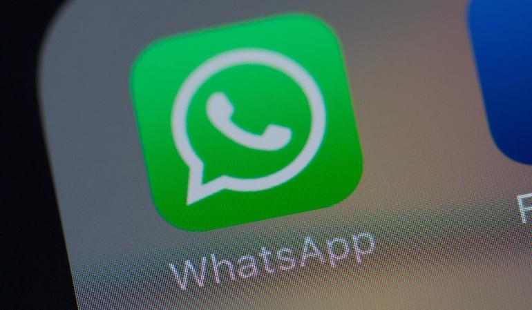 Fallas e intermitencias de WhatsApp: Cae WhatsApp y crecen los memes