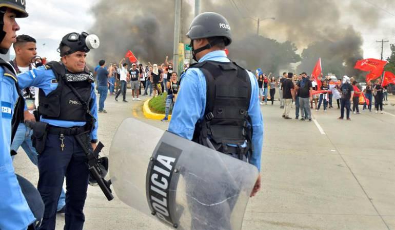 Honduras crisis política: Continúan protestas en Honduras por crisis política tras reñidos comicios