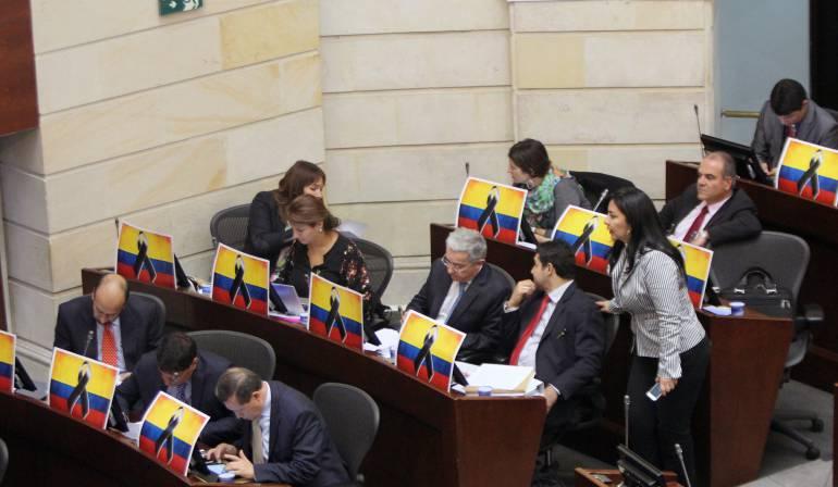 Uribismo alista sus candidatos para el senado 2018: Centro Democrático irá al Senado con lista abierta y Uribe en la cabeza