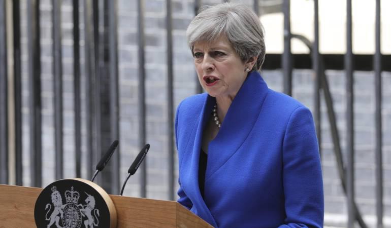 Reino Unido y Comisión Europea pactan condiciones del divorcio del Brexit