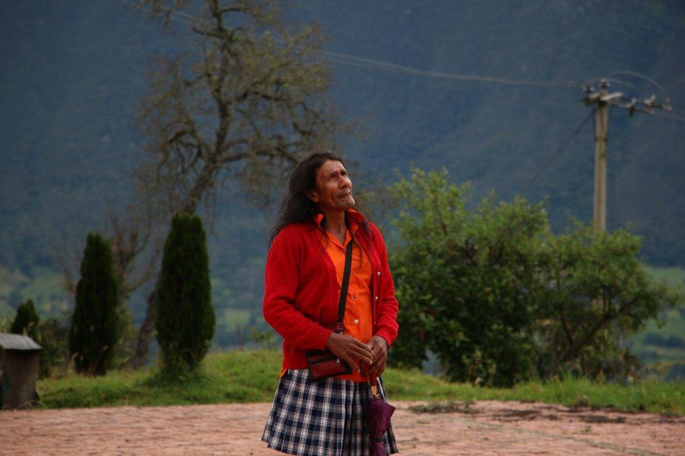 María Luisa Fuentes, La Señorita María | Es una campesina transgénero de 45 años que nació siendo niño en Boavita un pueblo campesino, conservador y católico. Su drama va más allá de haber nacido en el cuerpo de un hombre, en un contexto machista. La 'Señorita María' representa la lucha por ser diferente.