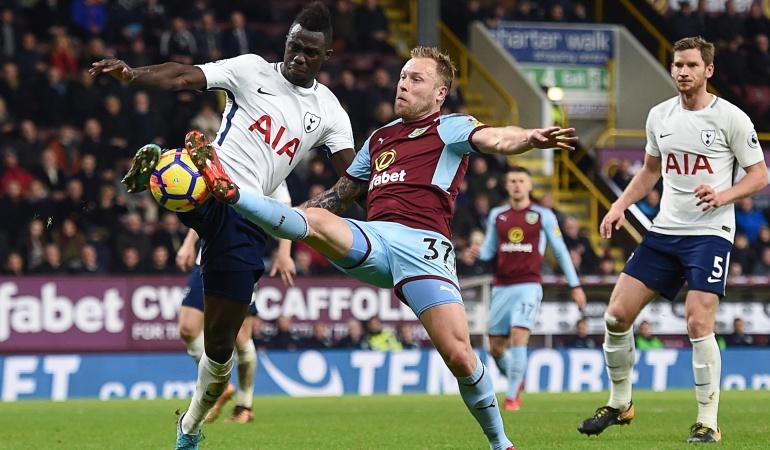 Fútbol inglés: Tottenham golea al Burnley en el regreso de Dávinson Sánchez