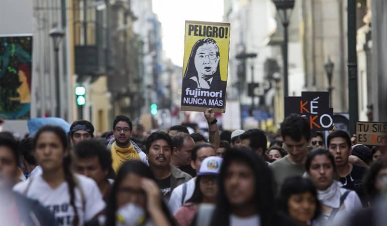 Kuczynski Alberto Fujimori: Aumentan las renuncias de congresistas oficialistas y funcionarios del gobierno de Kuczynski