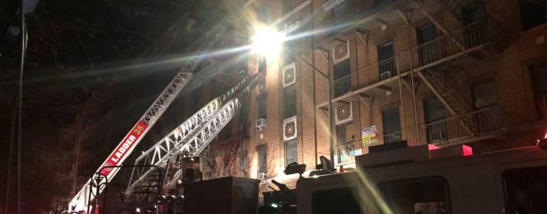 Al menos doce muertos deja incendio en Nueva York