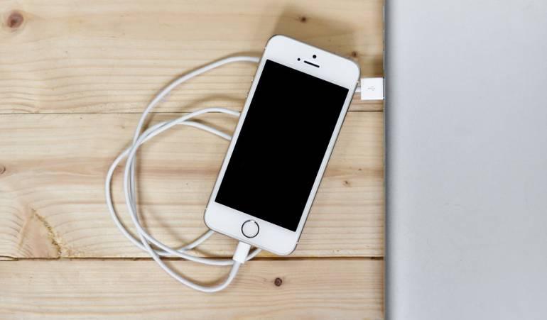 Ralentiza iPhones: Apple ofrece descuentos para disculparse por manejo de baterías antiguas