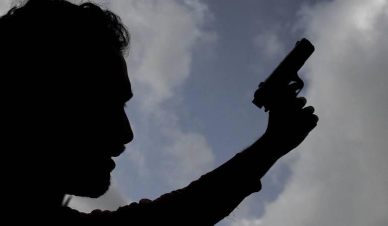 Prohibición de porte de armas: Gobierno prorroga prohibición de porte de armas durante todo el 2018
