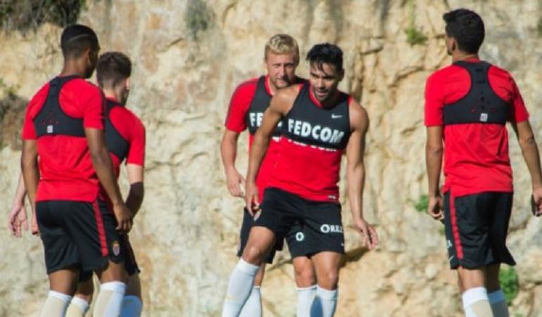 Futbolistas colombianos Falcao: Falcao regresa a entrenamientos con el Mónaco