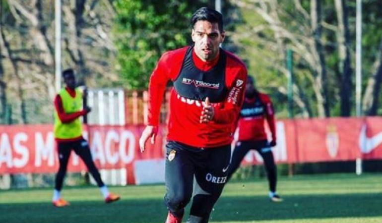Futbolistas colombianos Falcao: Falcao no jugará por Copa de Francia: Jardim descartó al colombiano