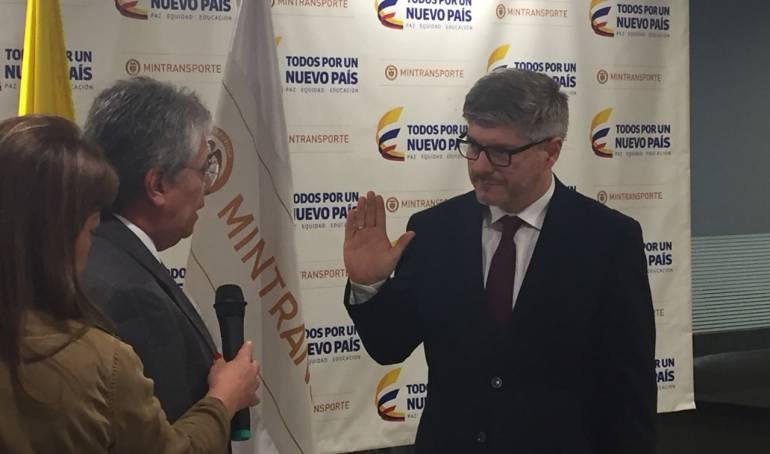 Juan Carlos Salazar Aeronáutica Civil: Se posesiona Juan Carlos Salazar como nuevo director de la Aeronáutica Civil