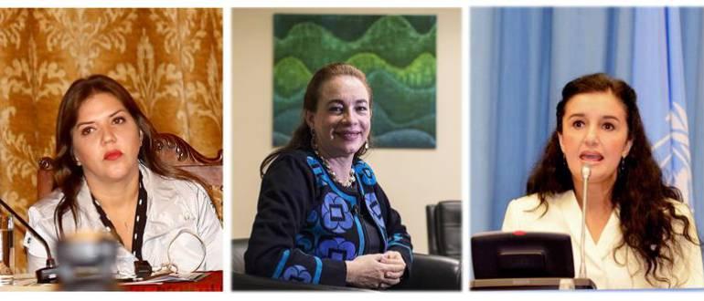 La actual vicepresidenta en funciones, María Alejandra Vicuña (i), la canciller María Fernanda Espinosa (c) y la ministra de Justicia, Rosana Alvarado (d)