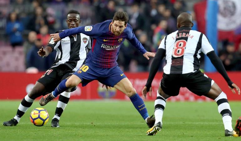 Fútbol español: Jefferson Lerma no pudo evitar la caída del Levante con el Barcelona