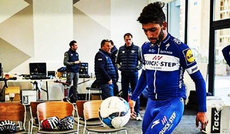 Fernando Gaviria: No solo ciclismo: ¡Fernando Gaviria también se le mide al fútbol!