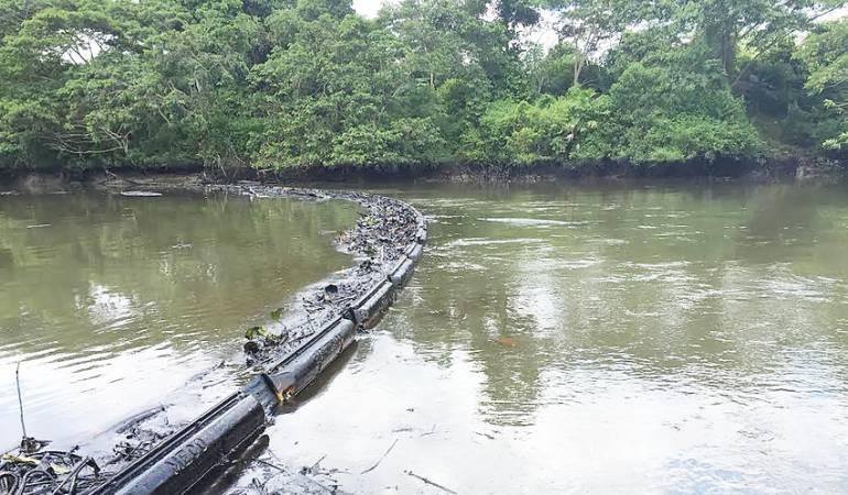Activan plan control ambiental en Colombia tras atentado de Eln a oleoducto
