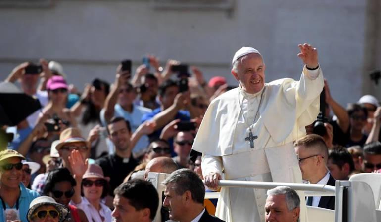 Francisco papa protestas: Ataques con artefactos incendiarios marcan visita del papa al sur de Chile