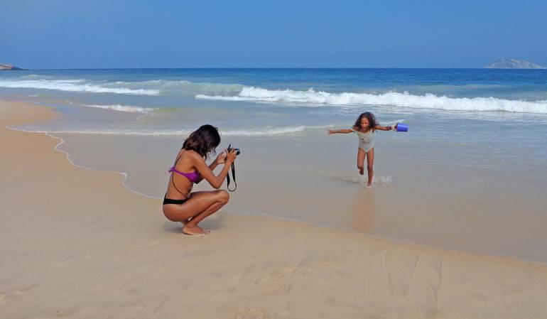 Italia redes sociales: Sus hijos pueden demandarlo por publicar fotos de ellos en Facebook