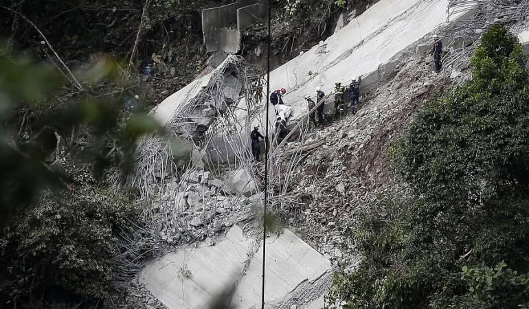 Chirajara colapso del puente Fiscalía: Con pedazos de cemento Fiscalía investiga colapso del puente en Chirajara