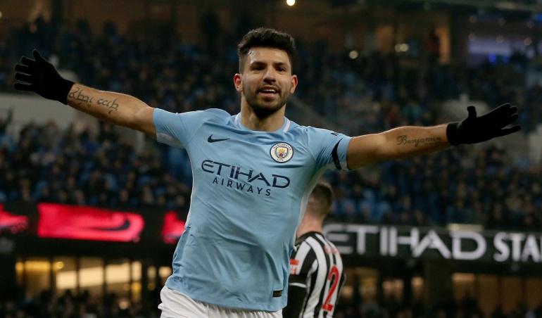 Manchester City Agüero: Agüero distancia al Manchester City en lo más alto de la Premier League