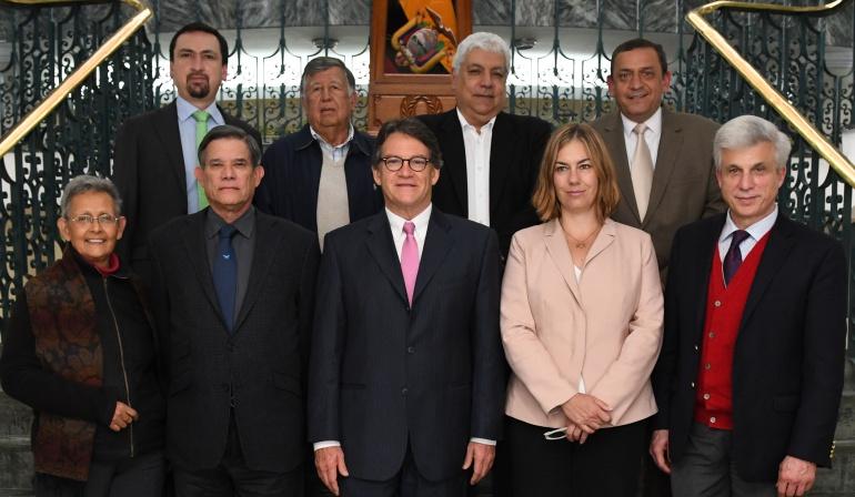 Colombia: ELN quiere reanudar diálogos de paz con Gobierno