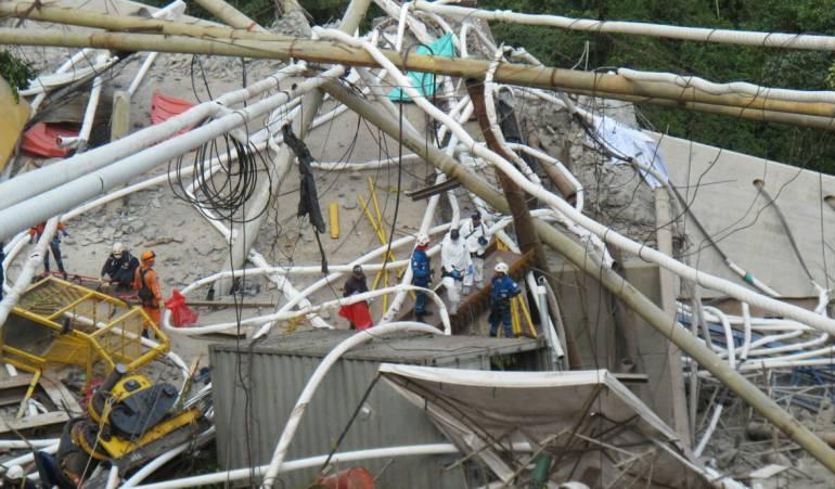 Demolición de los restos del puente de Chirajara en vía a Villaviciencio: Piden demolición del puente en construcción en Chirajara