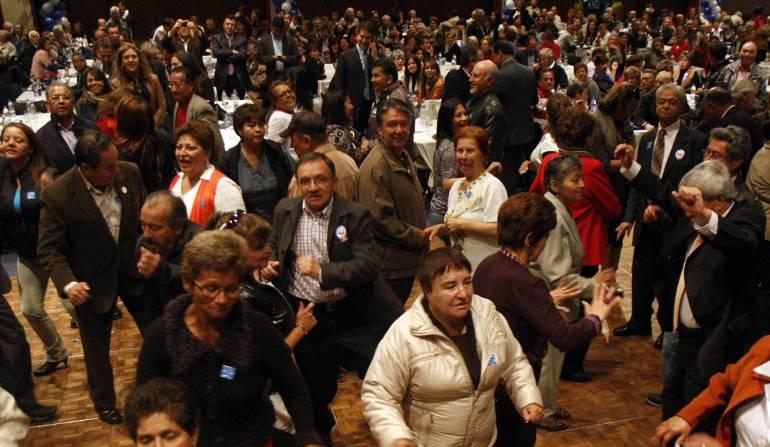 Con más de 35 mil firmas, pensionados piden rebajas a los aportes en salud