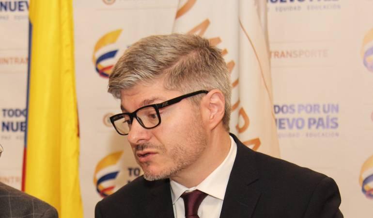 Director de la Aeronáutica Civil, Juan Carlos Salazar
