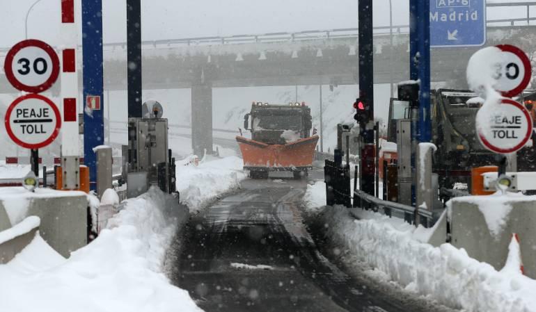 Nevada afecta la operación del aeropuerto de Madrid