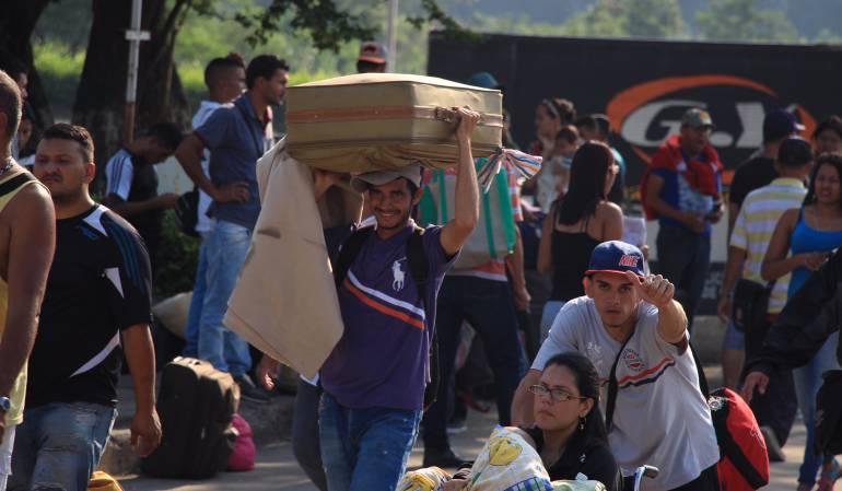 Colombia amplía plazo para permiso especial a migrantes venezolanos