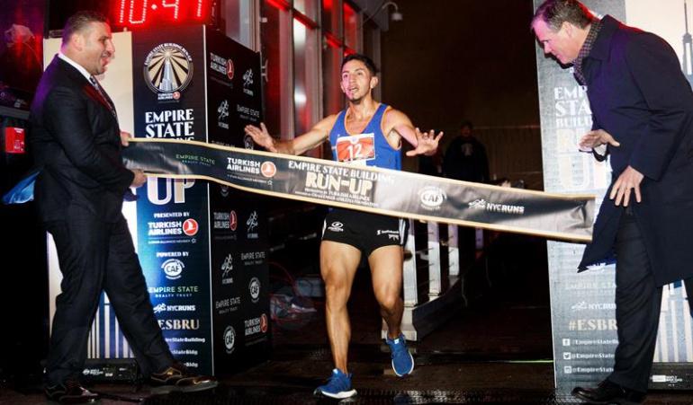 Frank Carreño ascenso Empire State: Colombiano Frank Carreño ganó ascenso en el Empire State