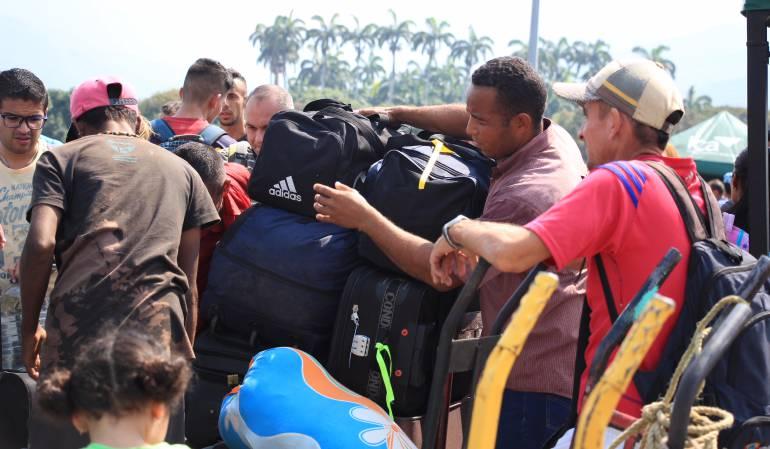 Crisis en la frontera con Venezuela: Santos pide evitar la xenofobia ante la crisis en la frontera con Venezuela