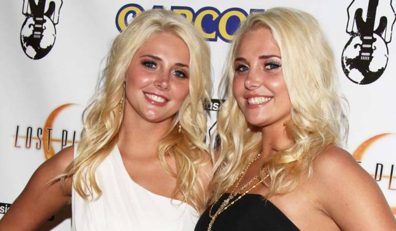 Kristina Shannon, a la izquierda, junto a su hermana gemela Karissa durante su etapa como Playmates