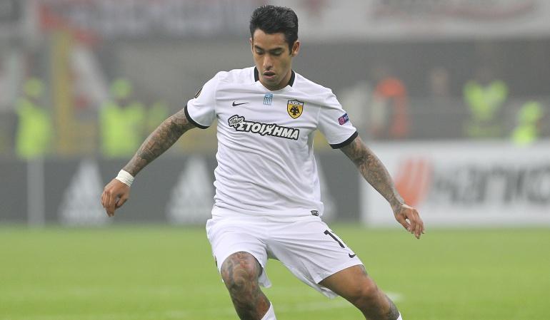 Araujo blooper: Sergio Araujo del AEK Atenas protagonizó el 'blooper' de la jornada