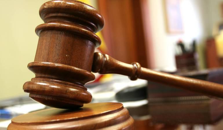 Juez revierte decisión de libertad bajo fianza a Martinelli