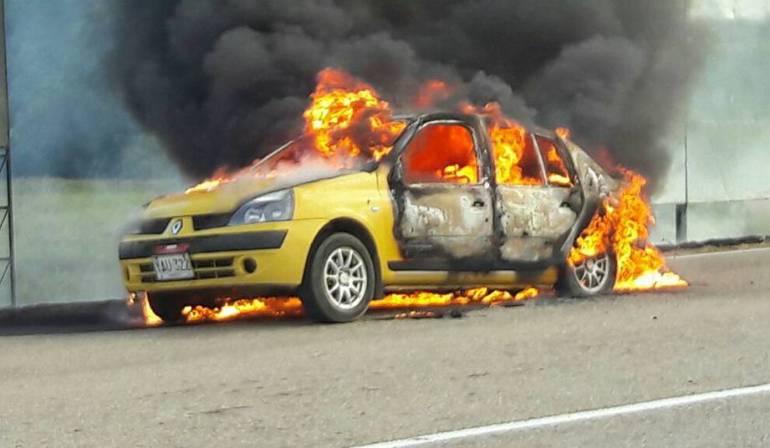 Paro armado del Eln: El Eln quema un vehículo en zona rural de Tame