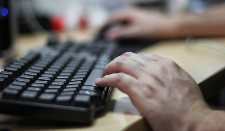 Incautan computador con lista de testaferros del Eln
