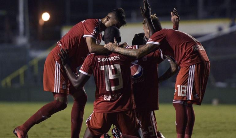 Defensa y Justicia 0-1 América de Cali Sudamericana: Bejarano guía a América al triunfo en regreso a las copas internacionales