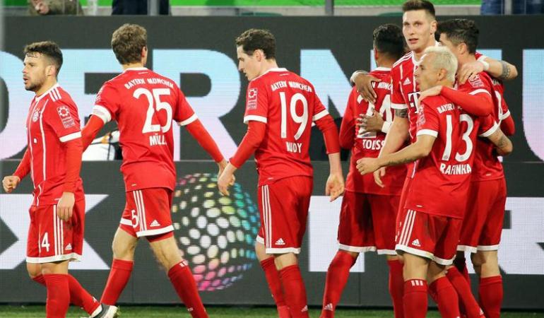 Wolfsburgo 1-2 Bayern Múnich James Rodríguez: Sin James, Bayern remonta ante el Wolfsburgo y sigue firme en el liderato