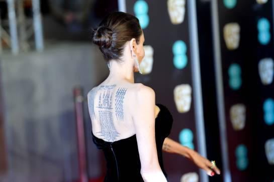La extrema delgadez de Angelina Jolie: Angelina Jolie asiste a los Bafta y preocupa por su extrema delgadez