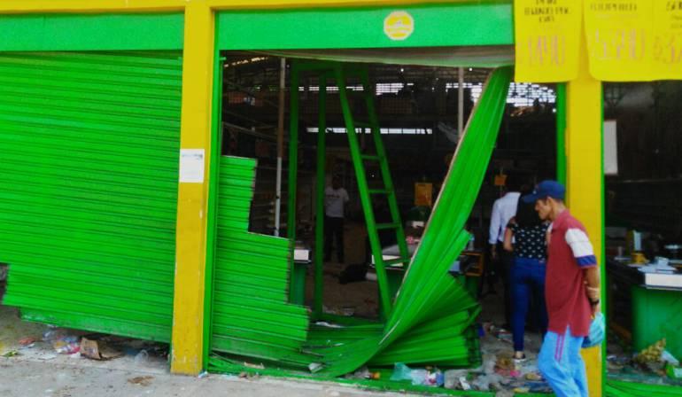 Saqueos supermercado Supercundi: Por 4 delitos judicializarán a capturados en Supercundi de Puerto Boyacá
