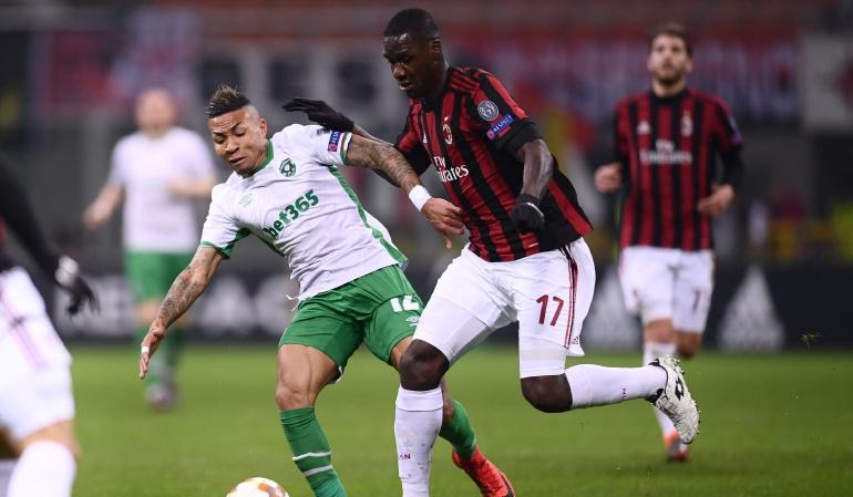 cristian zapata milan europa league: Zapata regresa a la titular y Milan avanza en la Europa League