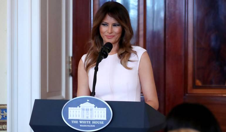 Melania Trump pide ayuda para combatir el acoso en redes sociales