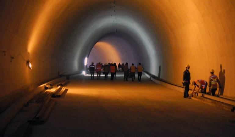 Túnel de la Línea: El Túnel de la Línea no lo vamos a poder inaugurar: Santos