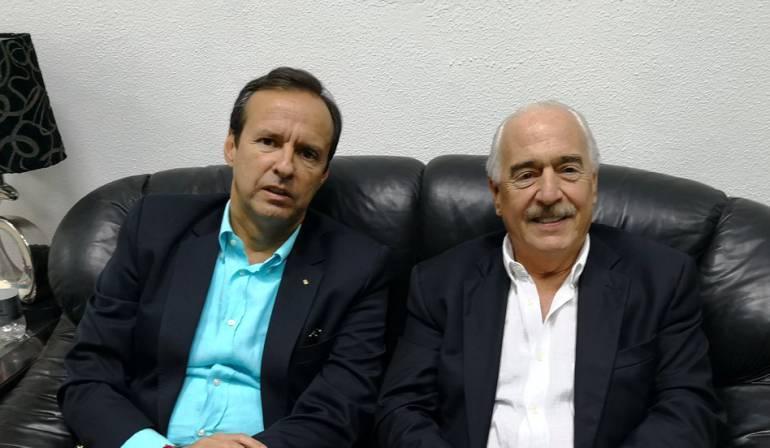 Pastrana retenido en La Habana: Ex presidente Pastrana está retenido en el aeropuerto de La Habana