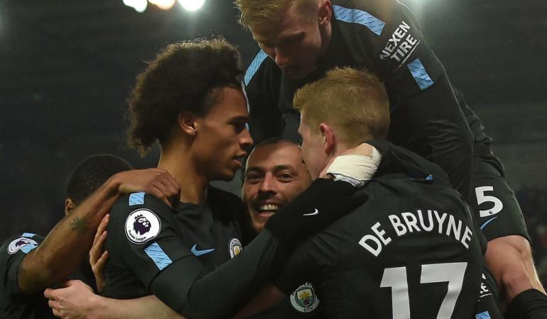 Stoke City 0-2 Manchester City: Manchester City vence al Stoke y queda a 3 triunfos del título de la Liga