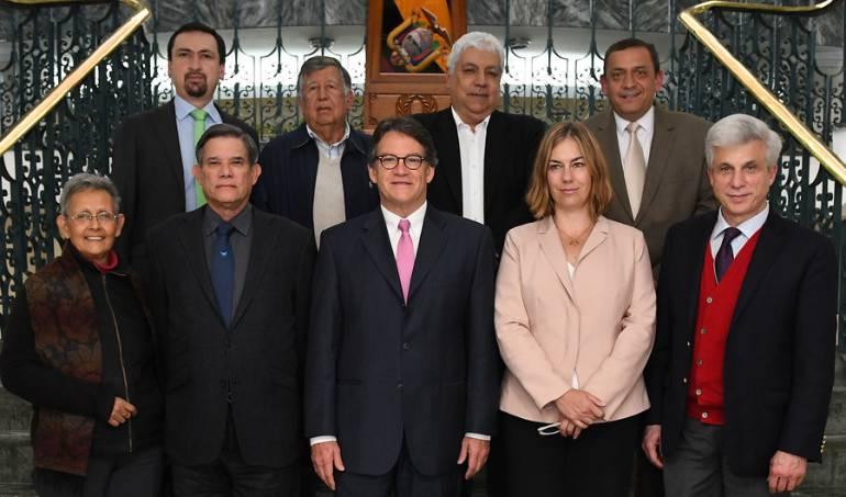 Equipo negociador del Gobierno en los diálogos con el ELN.