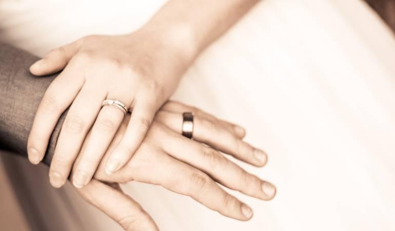 Relaciones de pareja: ¡Acepto! El nuevo piercing con el que sellan el matrimonio