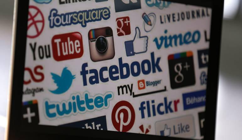 Escándalo información campaña TRUMP facebook: Facebook asegura que fue engañada tras escándalo de filtración de datos