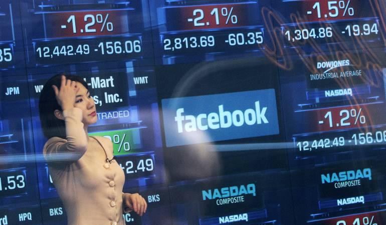 Caída de Facebook en la bolsa de valores.