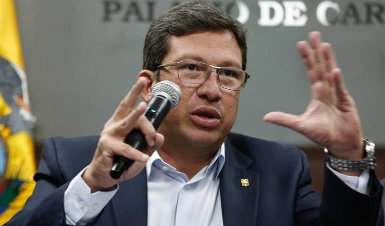 Periodistas son rehenes de disidentes de las FARC