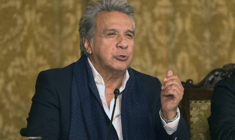 Presidente de Ecuador dice hacer todo lo posible para liberar a periodistas
