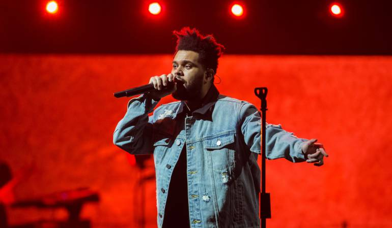 The Weeknd Selena Gomez: Selena Gomez logra que The Weeknd se corone como #1